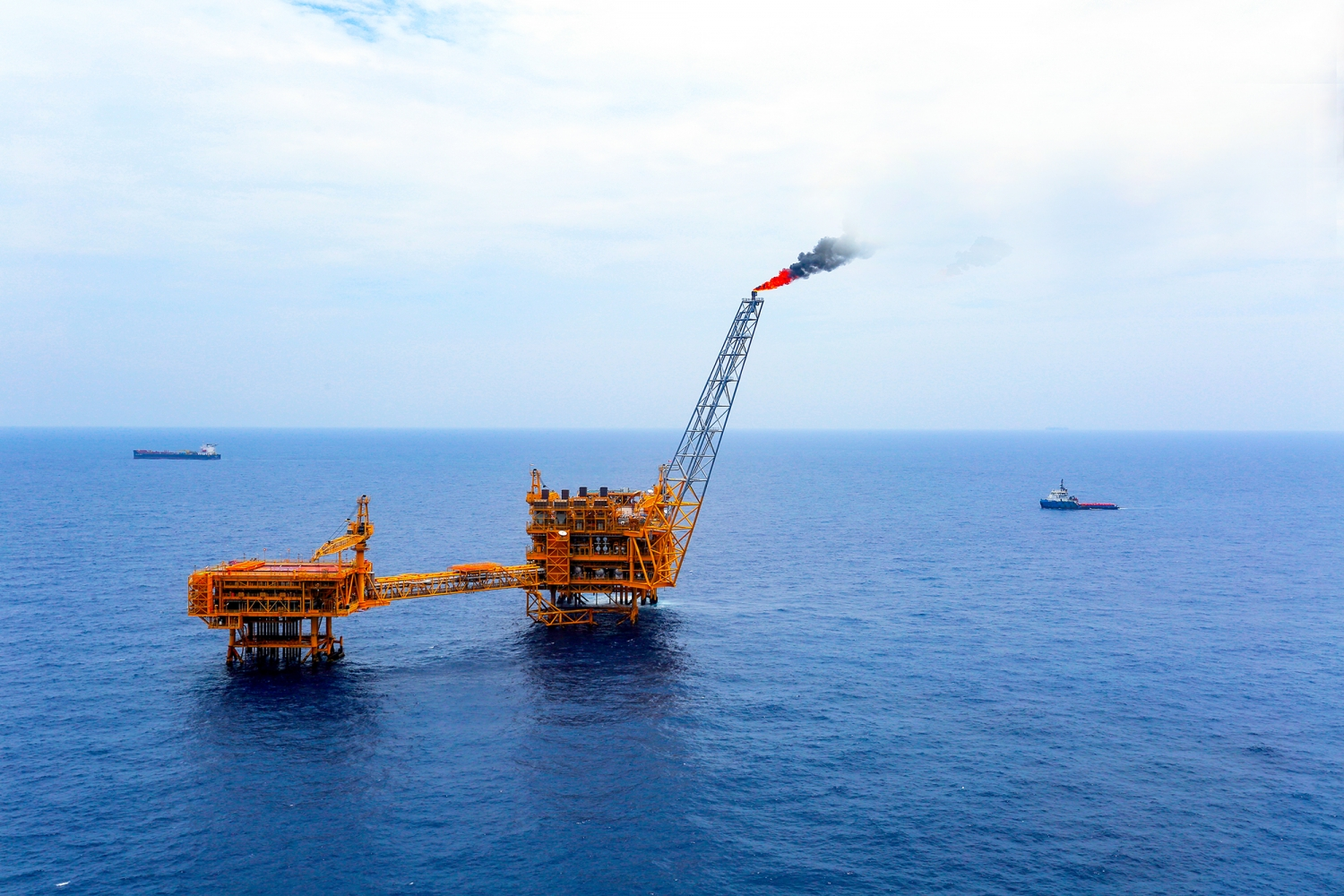 Petrovietnam: 44 years accompanying and developing with the country